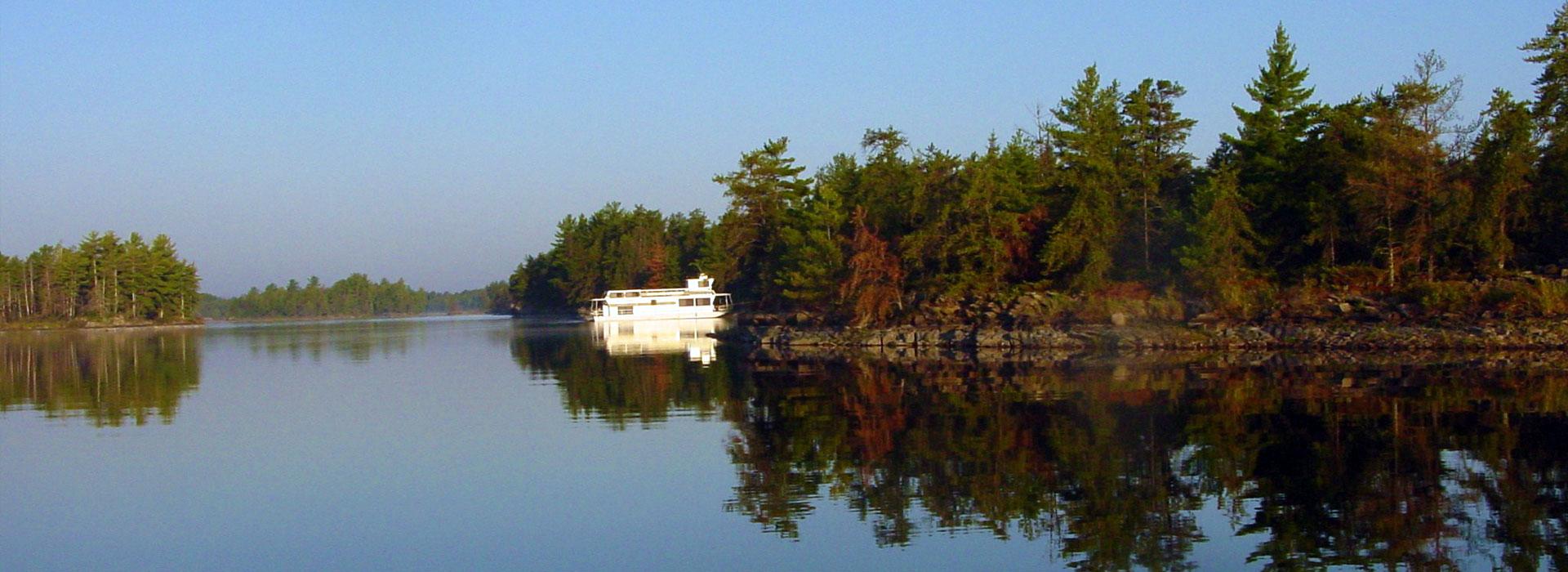 Fishing lodges in minnesota for Rainy lake fishing